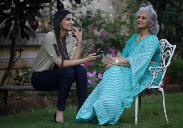Sonam And Waheeda Discussion Still During The Interview