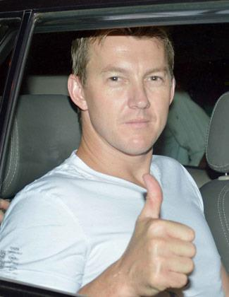 Brett Lee Dazzling Look Posed For Camera At KKR Team Dinner Party In Pizza Metro Pizza
