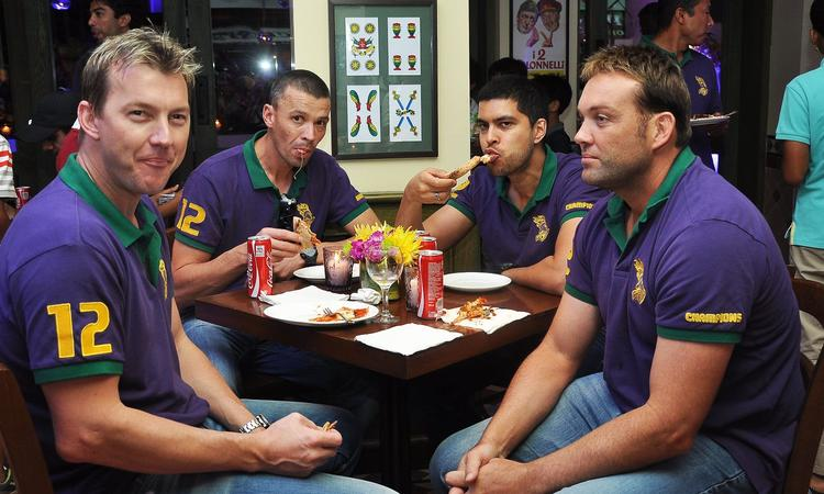 Brett Lee,Jacques Kallis And Other Cricketer Enjoying At KKR Team Dinner Party In Pizza Metro Pizza