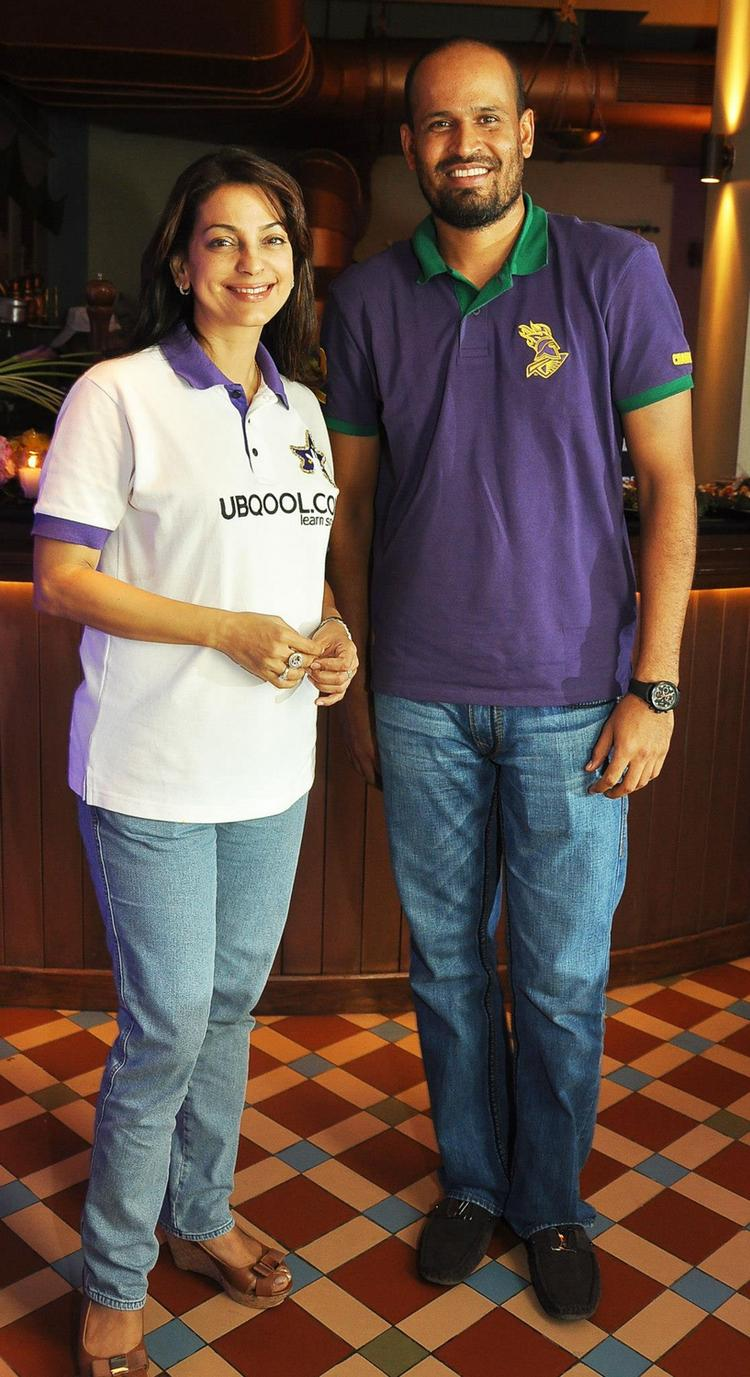 Juhi Chawla And Yusuf Pathan Smiling Posed At KKR Team Dinner Party In Pizza Metro Pizza