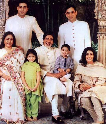 Jaya Bachchan Poses With Her Grand Children Navya Naveli and Agastya