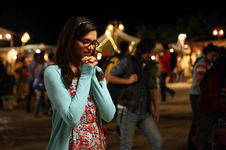 Deepika Padukone Nice Look Still From Yeh Jawaani Hai Deewani Movie