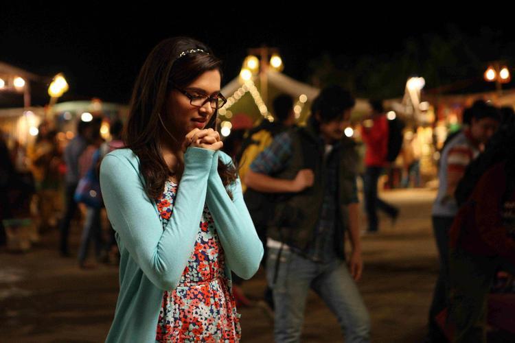 Deepika Padukone Nice Look Still From Yeh Jawaani Hai Deewani Movie
