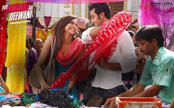 Ranbir And Deepika Cool Smiling Look From Yeh Jawaani Hai Deewani Movie