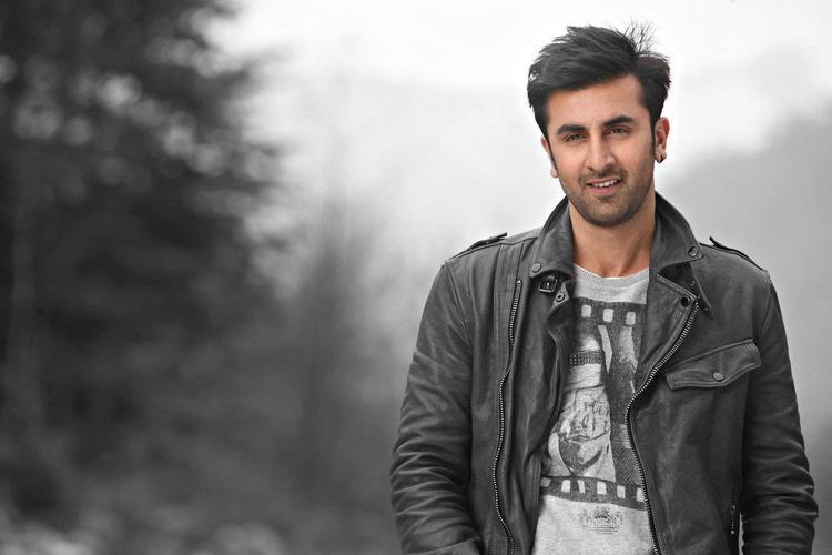 Ranbir Kapoor Handsome Look Still From Yeh Jawaani Hai Deewani Movie