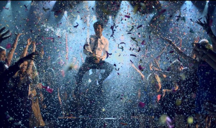 Ranbir Kapoor Rocking Look In Batmiz Dil Song From Yeh Jawaani Hai Deewani Movie