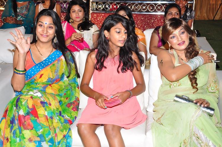 Surekha Vani Greets Her Fans At Saradaga Ammaitho Movie Audio Release Function
