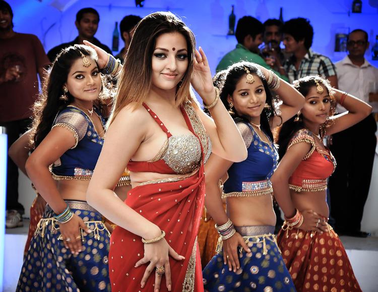 Item Girl Sexy Dance Still In Yaaruda Mahesh Tamil Movie