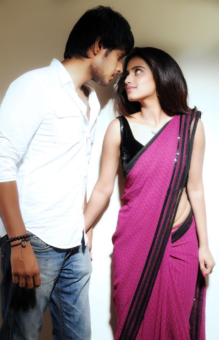 Sandeep Kishan And Dimple Chopra In Romance Still Yaaruda Mahesh Tamil Movie