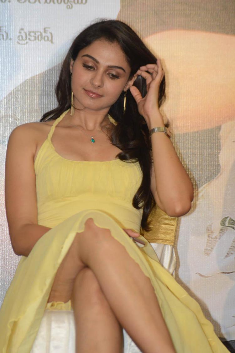 Sizzling Babe Andrea Jeremiah Cool Still At Tadakha Movie Press Meet