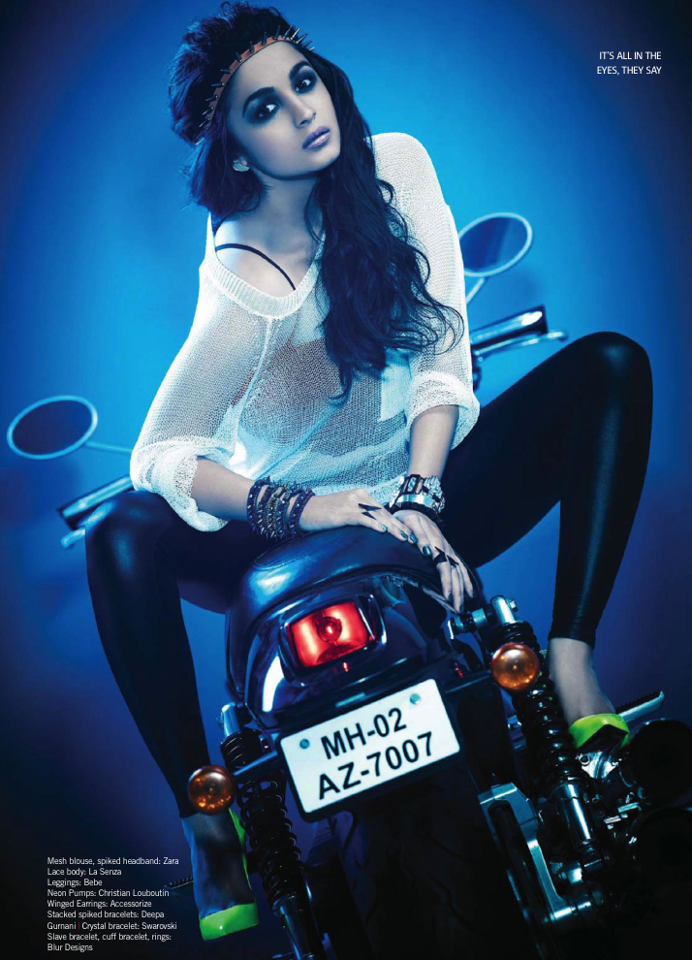 Sizzling and Glamarous Alia In New Avatar On Filmfare May 2013