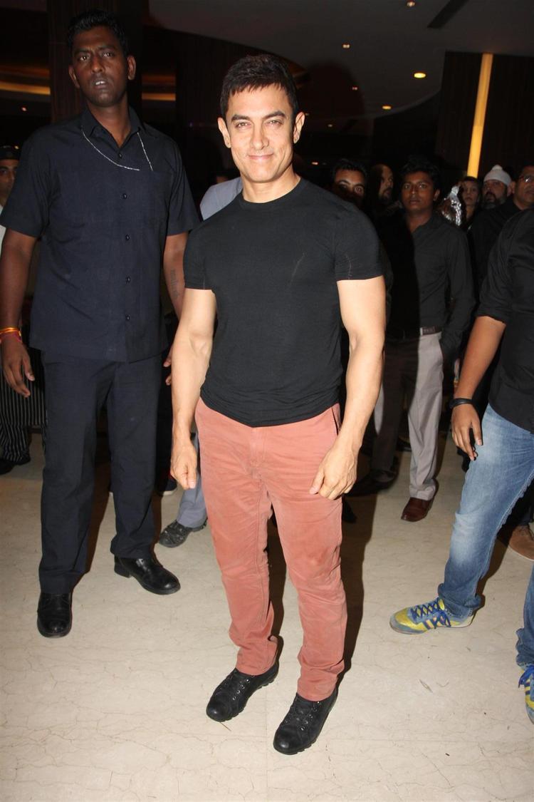 Aamir Khan Snapped At Yamla Pagla Deewana 2 Music Launch Event