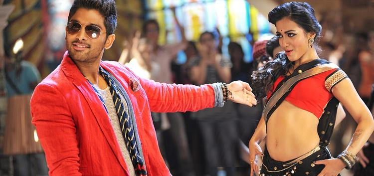 Amala Paul And Allu Arjun Dance Pic In IddarAmmayilatho Movie