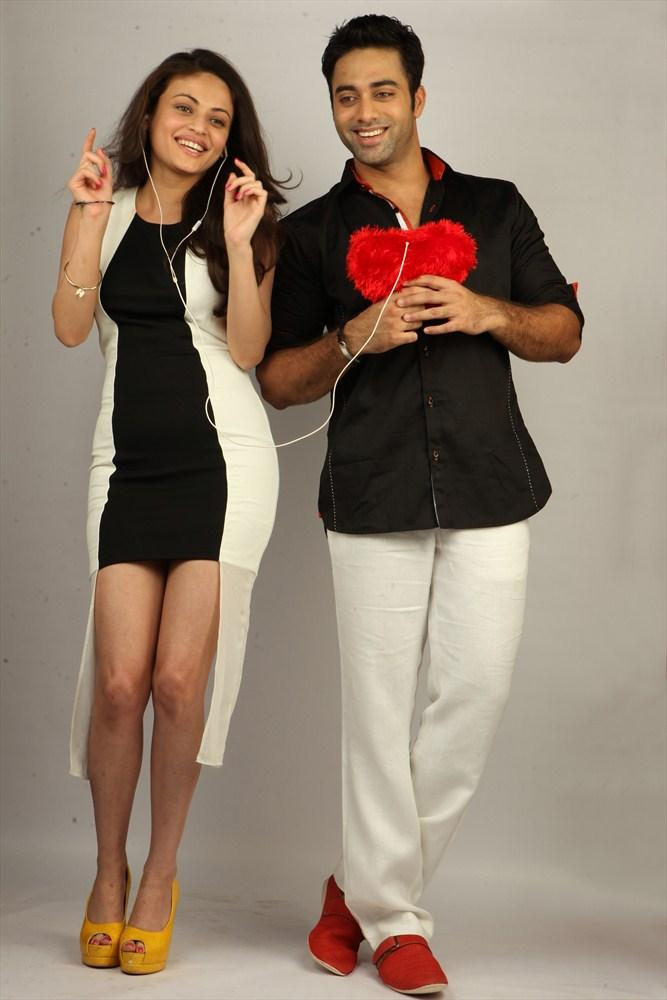 Navdeep And Sneha Ullal Antha Nee Mayalone Movie Nice Photo
