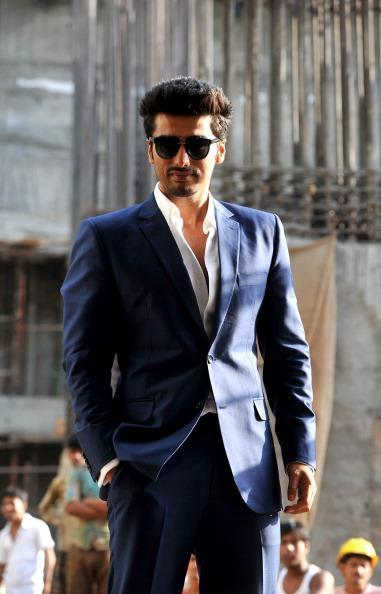 Arjun Kapoor Looking Hot Wearing Goggles At Conference Of Aurangzeb