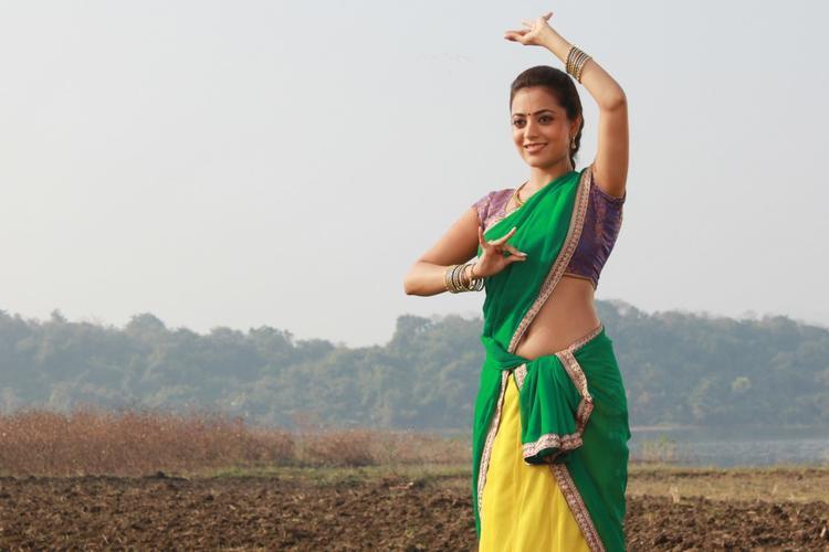 Nisha Agarwal Beautiful Dance Photo In DK Bose