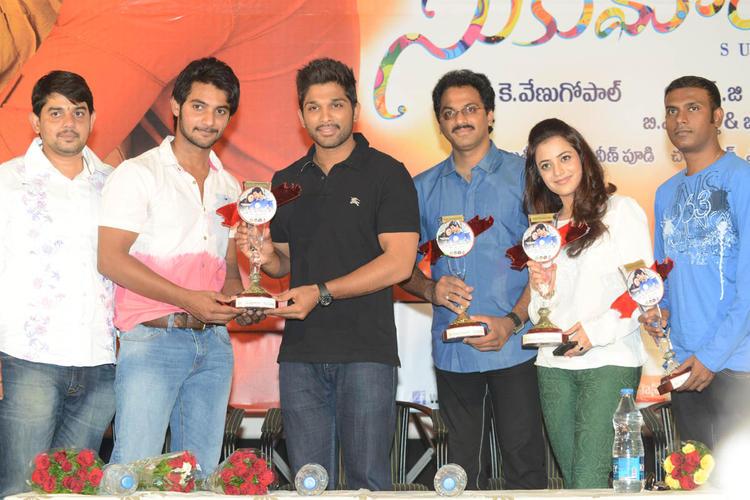 Aadi,Allu Arjun,G. Ashok And Nisha Clicked At Sukumarudu Triple Platinum Disc Function