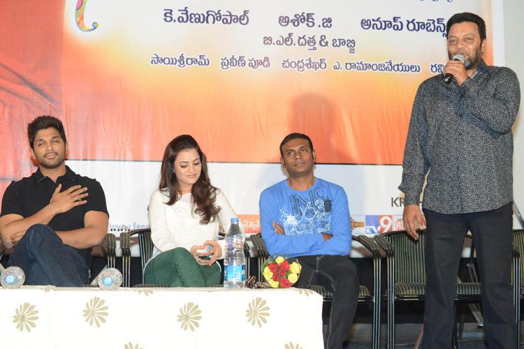 Sai Kumar Speaking Still,Allu Arjun And Nisha At Sukumarudu Triple Platinum Disc Function