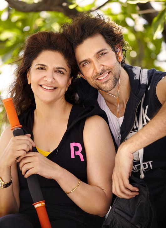 Hrithik Roshan Sweet Nice Pic With His Mom Pinky Roshan