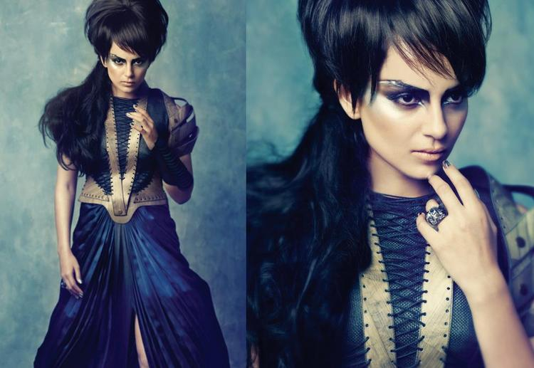 Kangana Ranaut Glamoun Look In Blue Dress