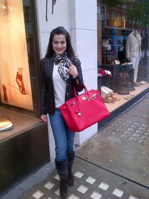 Ameesha Patel Snapped At London With Stylist Look
