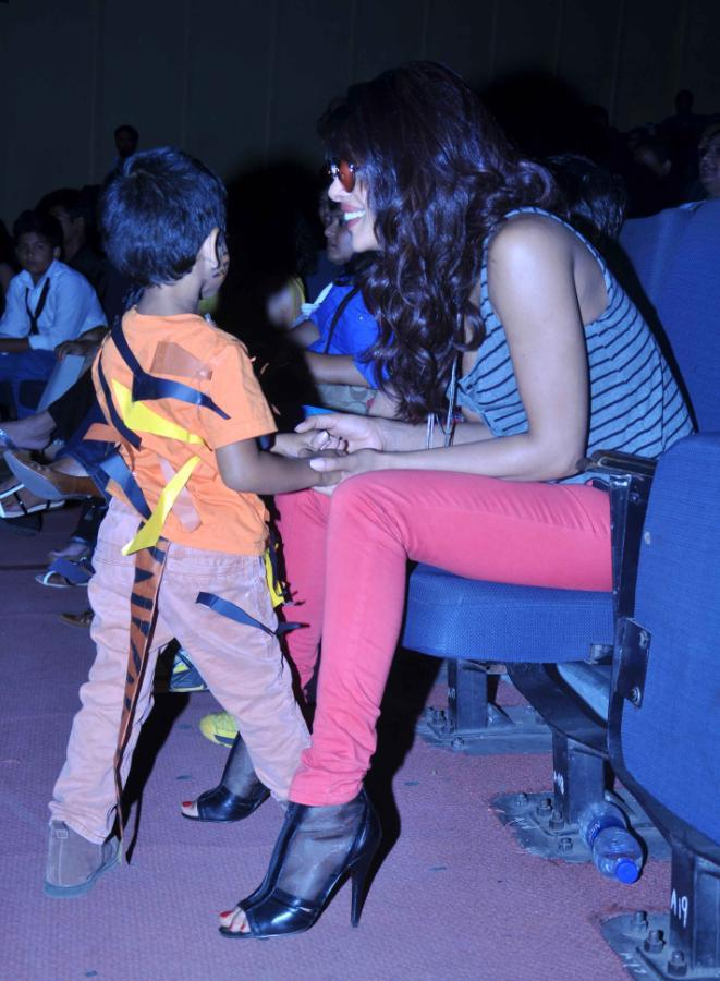 Priyanka Chopra Gossips With A Kid At St. Andrews College Musical Event
