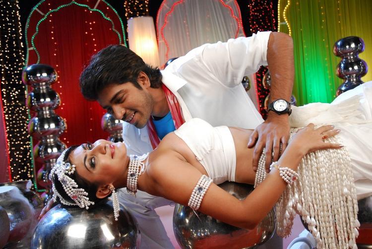 Allari Naresh And Neelam Hot Pose Song Still In 3D Movie