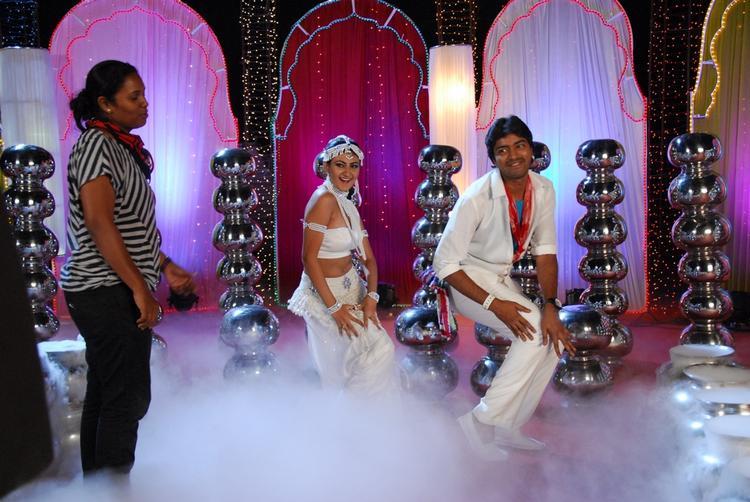 Allari Naresh And Neelam Song Still In 3D Movie