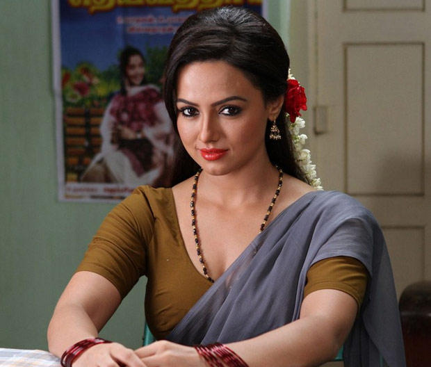 Sana Khan Red Lippy Gorgeous Look Still From Nadigayin Diary Movie