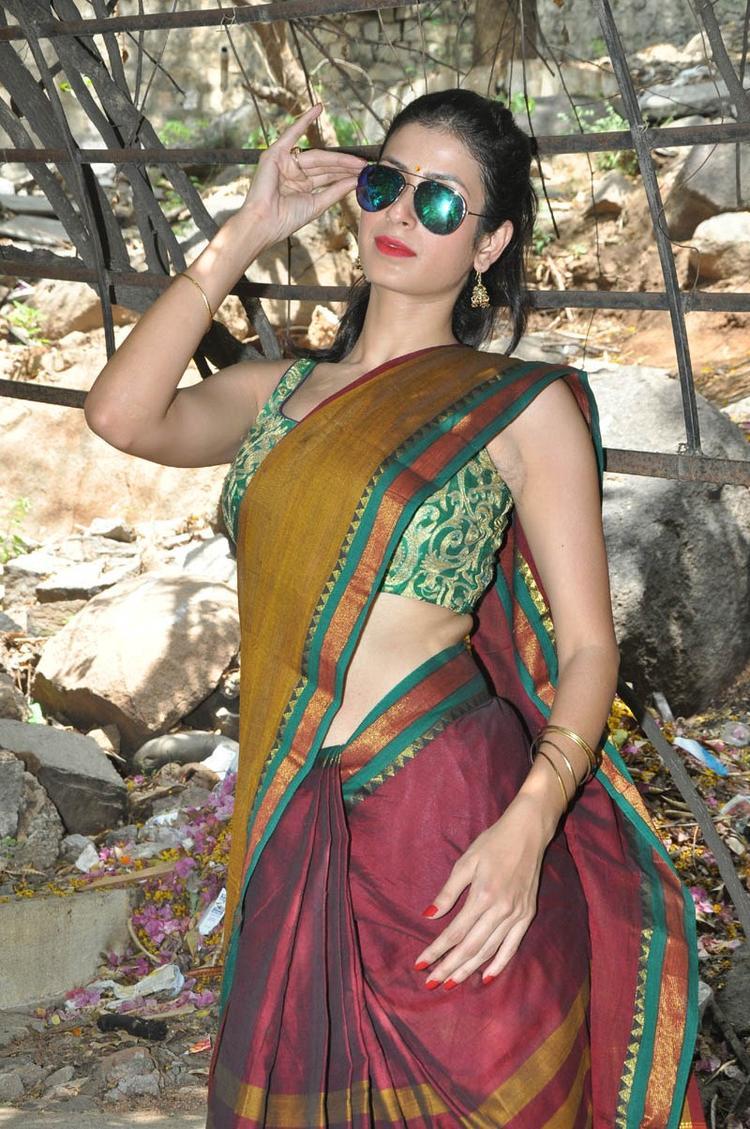 Sonia Birje In Saree Glamour Look At Manushulatho Jagartha Movie Opening Function