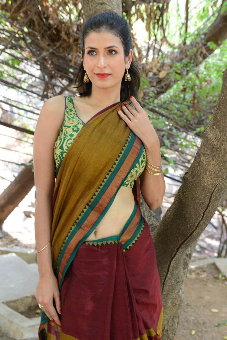 Sonia Birje In Saree Gorgeous Look Complete With Red Lippy At Manushulatho Jagartha Movie Opening Function
