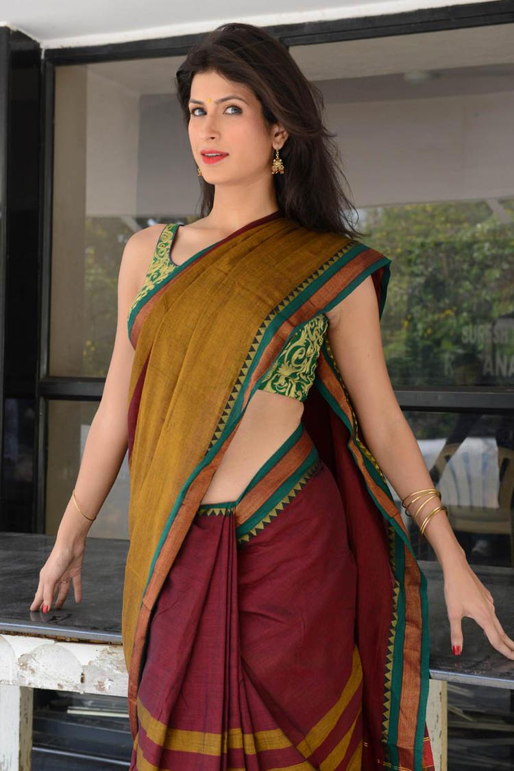 Sonia Birje In Saree Hot Look At Manushulatho Jagartha Movie Opening Function
