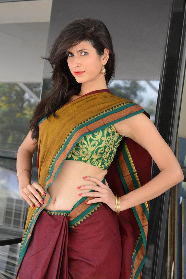 Sonia Birje In Saree Navel Shows Sexy Look At Manushulatho Jagartha Movie Opening Function
