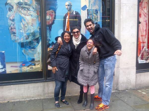 Sushmita Posed With Her Brother Rajeev And Daughter Renee Nice Look Photo