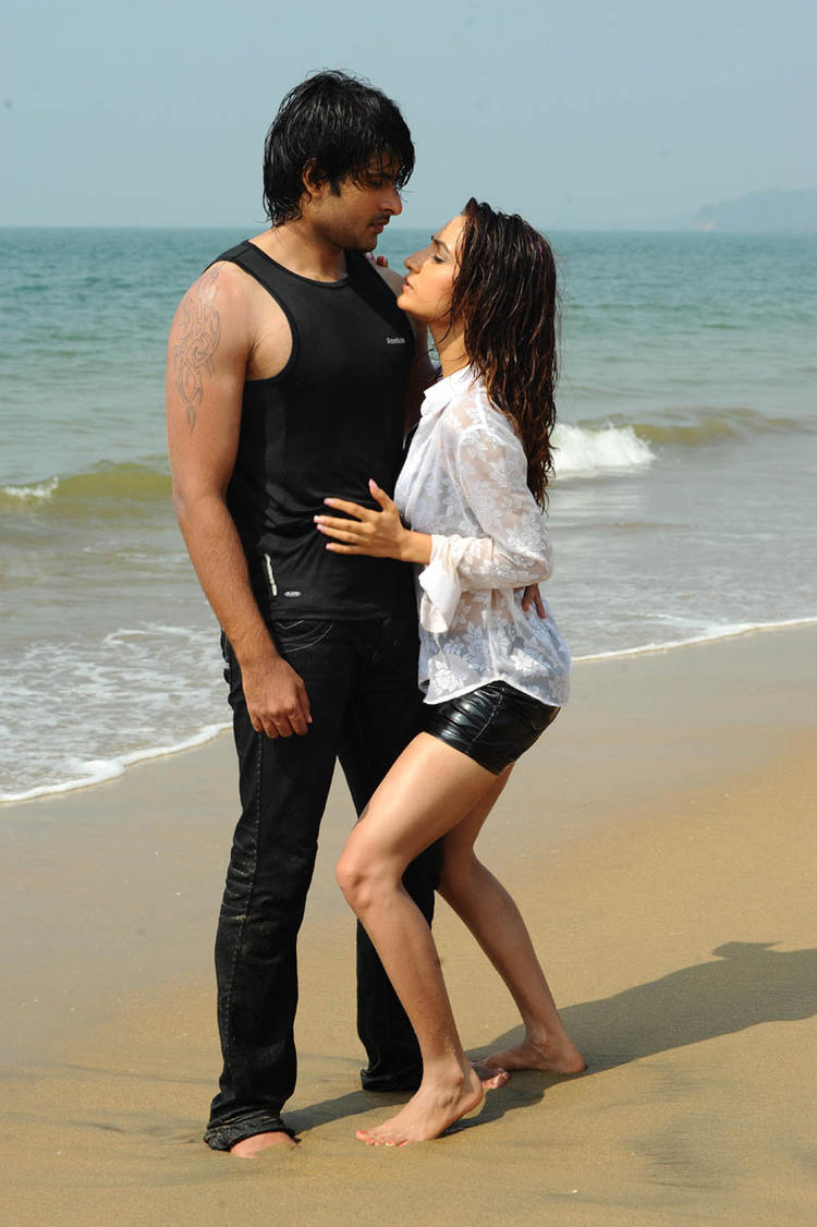 Jayanth And Dhriti Saharan Romentic Photo From Love Touch Movie