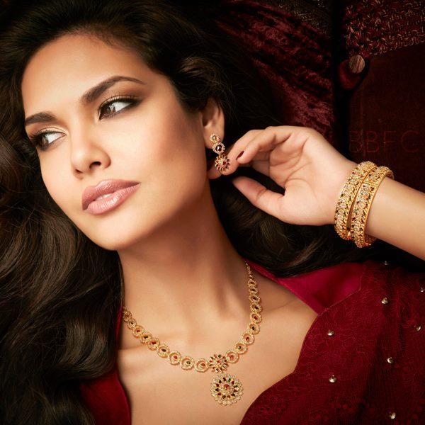 Hot Esha Gupta Latest Photo Shoot For D'damas Jewellery