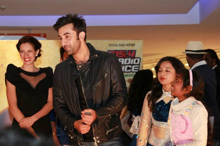 Ranbir And Kalki Spotted At Dubai For Promoting YJHD