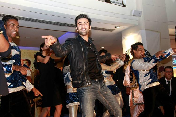 Ranbir Kapoor Rocking Pose With Fans During The Promotion Of YJHD At Dubai