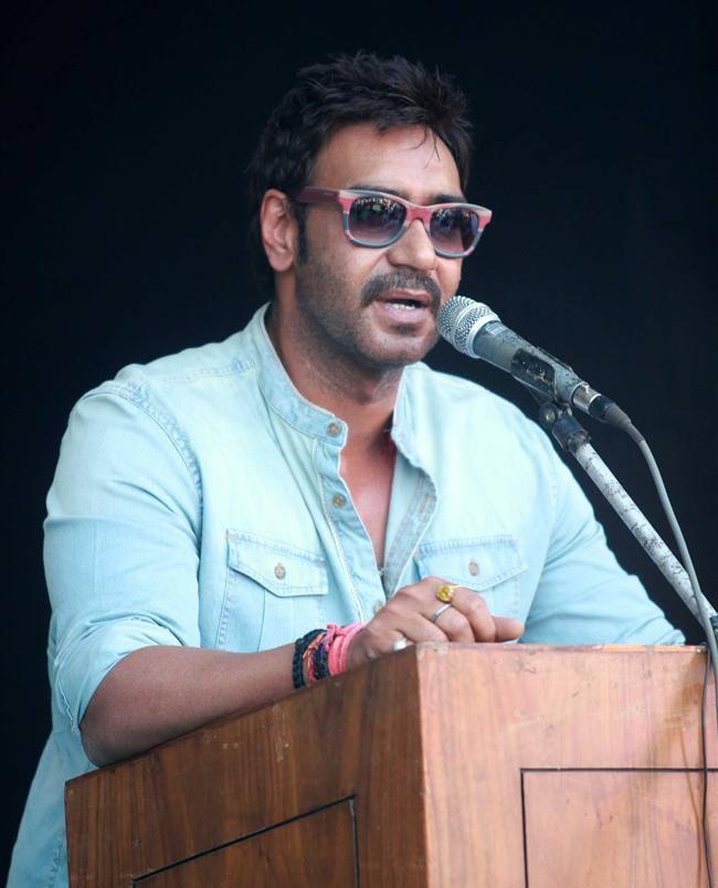 Ajay Devgan Speaking At Clean Lonavala Program
