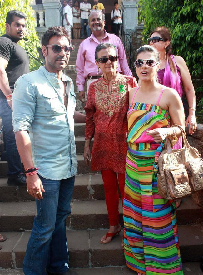 Ajay,Tanuja And Kajol Graced At Clean Lonavala Program