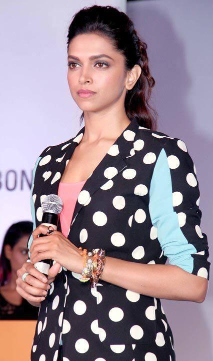 Deepika Padukone During Yeh Jawaani Hai Deewani Promotional Event