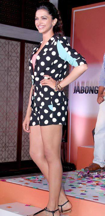 Deepika Spotted  At Jabong For YJHD Promotion