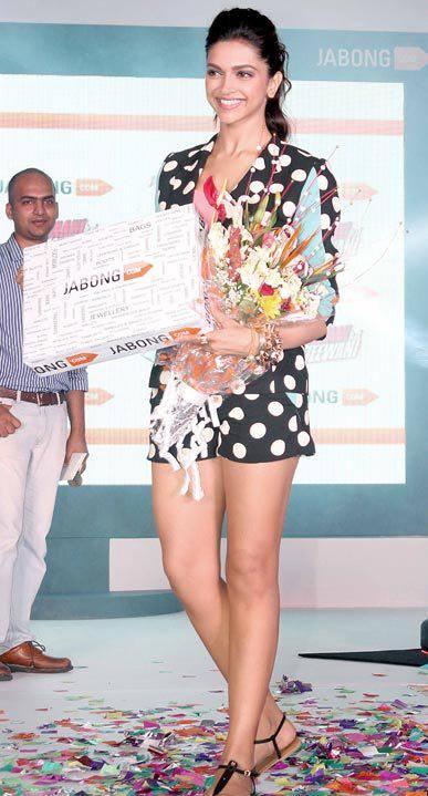 Hot Babe Deepika Padukone  At  Jabong For YJHD Promotion