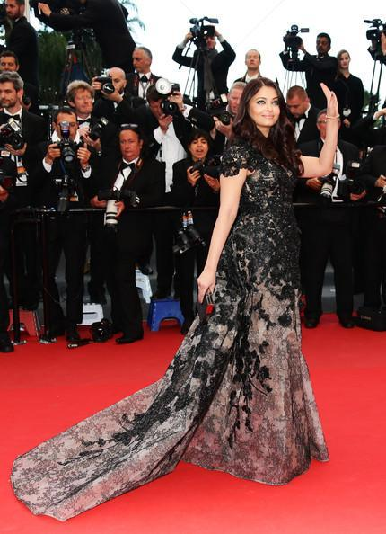 Aishwarya Attended The Red Carpet In A Elie Saab Haute Couture Dress