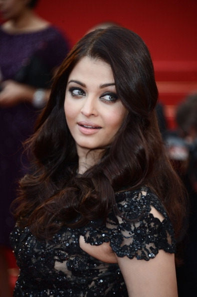 Aishwarya Rai Bachchan Cool Look At Cannes 2013