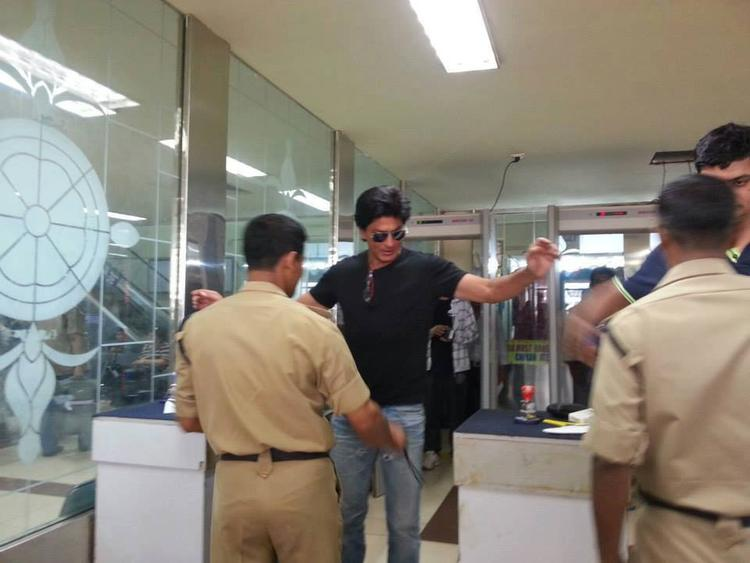 Shahrukh Khan At The Security Hold Area Of Mumbai Domestic Airport