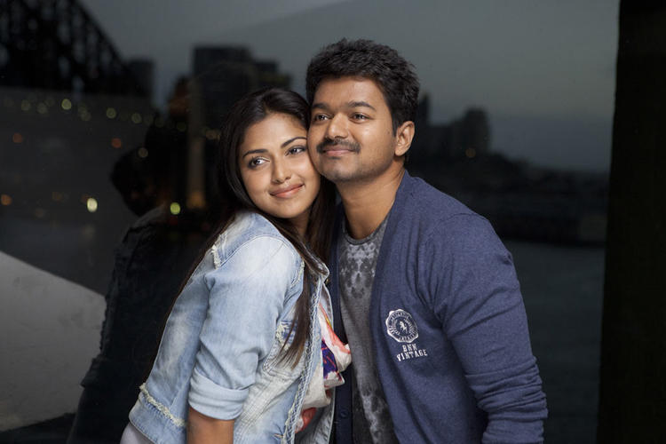 Vijay And Amala Paul Cool And Cozy Look On The Sets Of Thalaivaa Movie