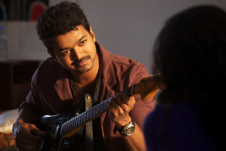 Vijay Dazzling Face Look Still On The Sets Of Thalaivaa Movie