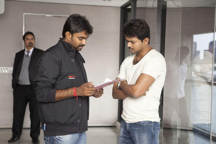 Vijay Nice Look On The Sets Of Thalaivaa Movie