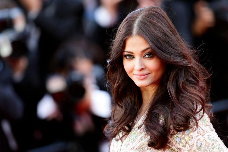 Aishwarya Charming Face Still At Cannes During The Premiere Of Blood Ties